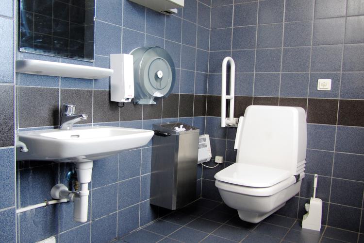 WC attracco dei battelli