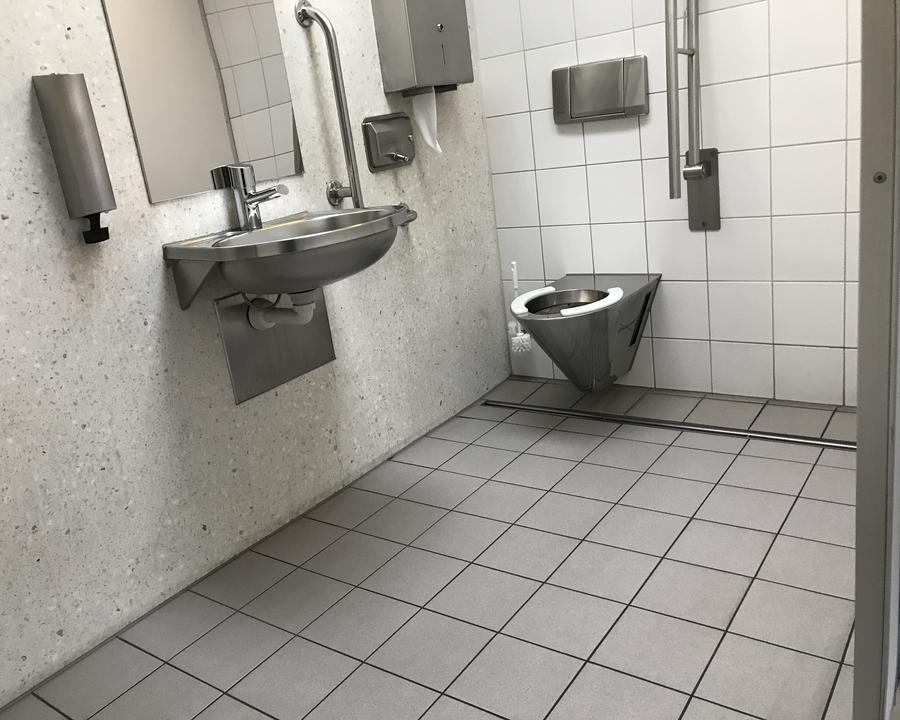 Öffentliche rollstuhlgerechte WC Vaduz Städtle