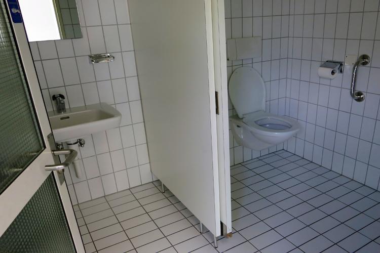 Öffentliche rollstuhlgerechte WC Post Triesen